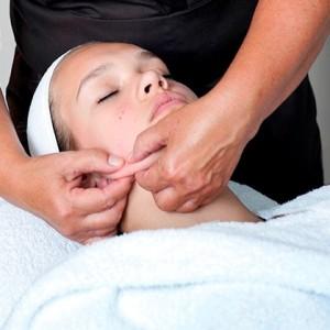 Bindweefsel-massage-gezicht